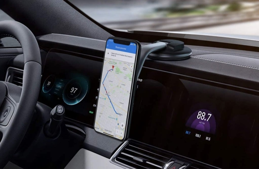 Best Carphone Holders in 2021 (Complete Review)