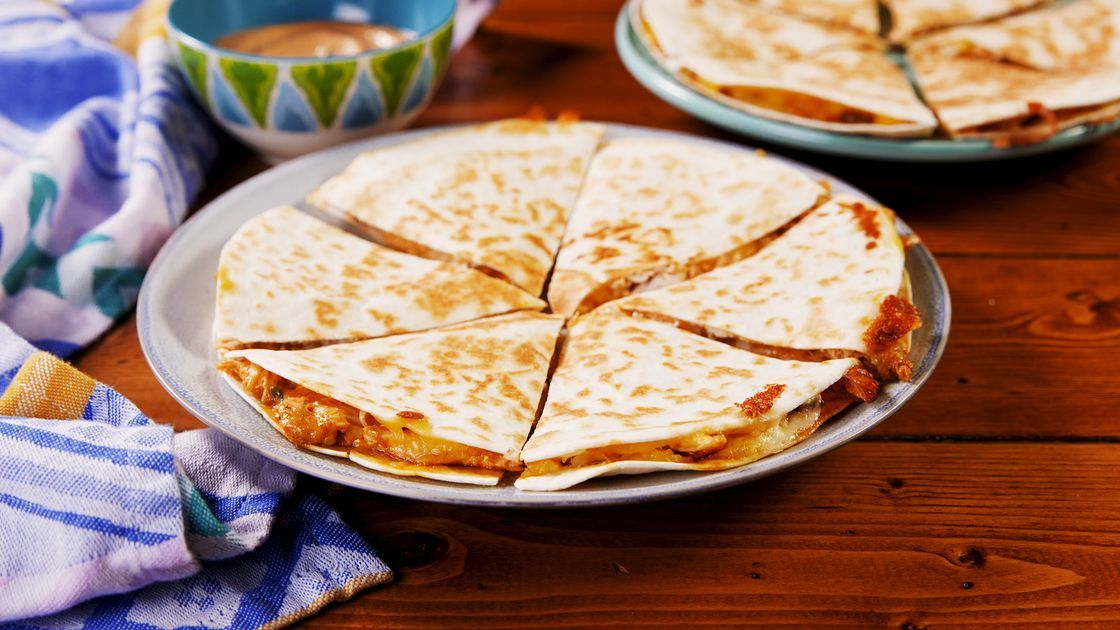 Best Quesadilla Makers in 2021 (Complete Review)